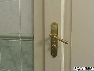 He screws busty girlfriends mom in the bathroom