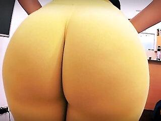 Best Amateur Ass Ever! Huge Round Butt! Tiny Waist!