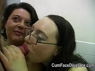 Cumming into two mature lesbo ladies mouths