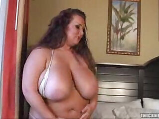 Rose Valentina on Thick N Busty