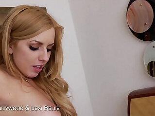 Blondes Ash Hollywood Lexi Belle suck a big cock