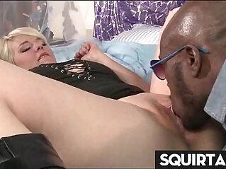 lick pussy and i will squirt