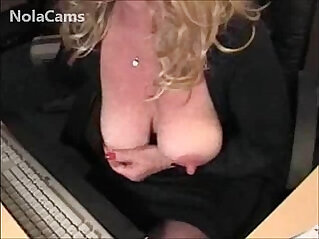 Blonde MILF Big Clit And Squirting Pussy Webcam CAMKID