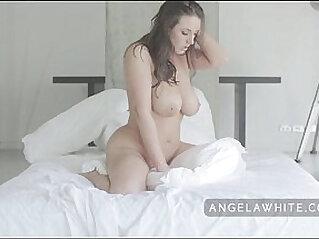Big Tit Australian Angela White Masturbating and Pillow Riding