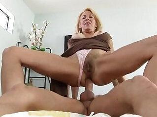 Mature pussy hardcore pounding