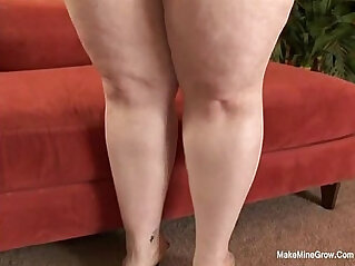 Jelli Bean Want A Huge Dick In Her Fat Pussy