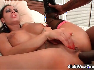 Pornstar whore gets her white ass fucked