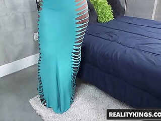 RealityKings Round and Brown Finesse, Tyler Steel Fine Finesse