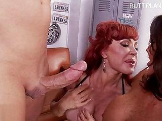 Busty mature wife cum swallow