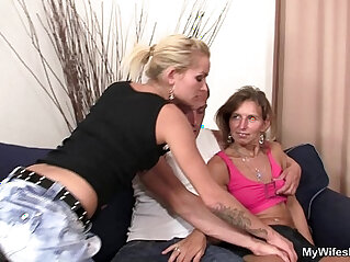 Girlfriends hot mom spread legs for him
